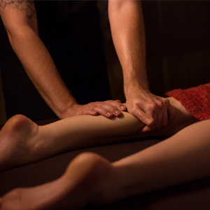 Leg massage - Maui Tantra Sessions